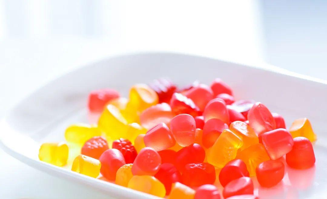 休闲食品健康化 功能性软糖市场开启消费新模式